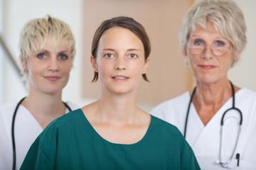 ärtzeteam im krankenhaus