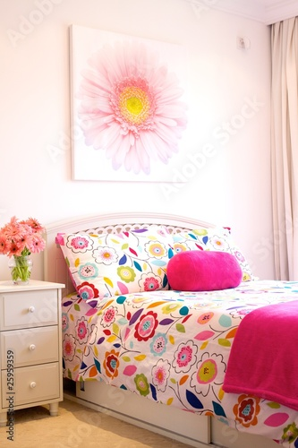 Bright and Cheerful Flower-Filled Girl's Bedroom