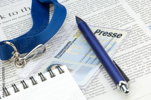 Leinwandbild Motiv Presseausweis