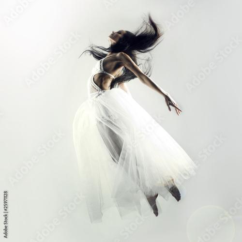 Fairy flying girl - 25971128