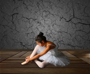 White Dance in Black Room