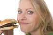 Frau ist leckeren Hamburger