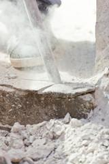 Demolizione del cemento