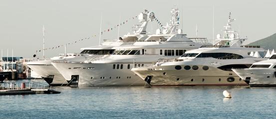 Détails de bateau à moteur - Salon de la plaisance, Cannes.