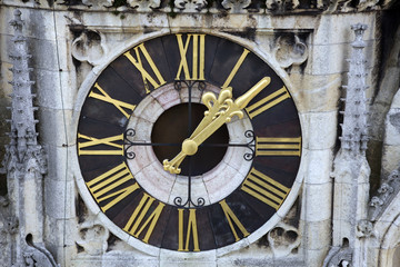 Clock on Zagreb cathedral