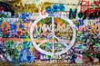 Quadro Muro de John Lennon (Praga) - Simbolo Paz (Toma 1)