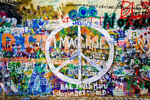 Foto op Canvas Praag Muro de John Lennon (Praga) - Simbolo Paz (Toma 1)