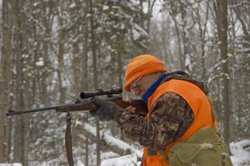 senior hunter at snowing season