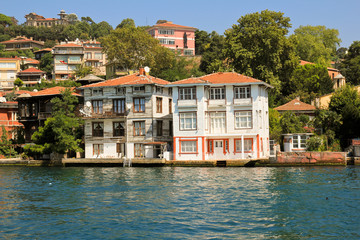 Ferienhäuser am Bosporus