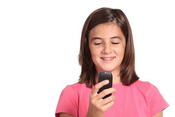 adolescente invia sms con telefono cellulare