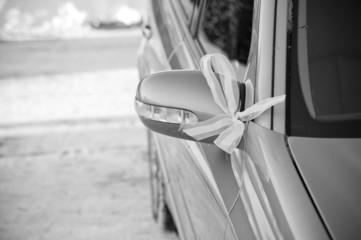 Winter wedding decorated car