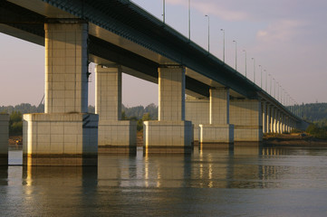 Автомобильный мост через реку Кама в Перми