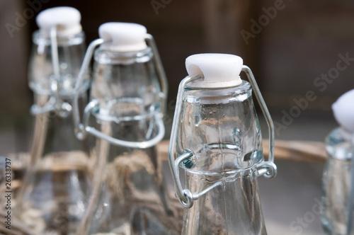 flaschen mit b gelverschluss von womue lizenzfreies foto 26338737 auf. Black Bedroom Furniture Sets. Home Design Ideas