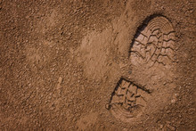 """Постер, картина, фотообои """"Footprint on mud with copy space"""""""