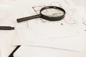 Architektur - Plan mit Lupe