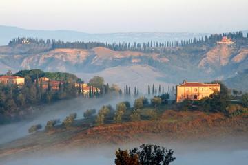 Morgennebel in der Toskana, Crete, Val d Orcia, Italien