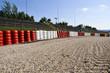 Formel 1-Rennstrecke - Kiesbett, Reifenstapel, Zuschauertribüne