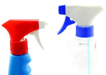 pulvérisateurs de produits ménagers d'entretien
