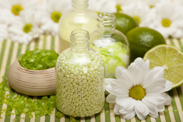 Aromatherapy - Flowers and lime bath salt
