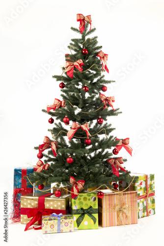 weihnachtsbaum mit geschenken stockfotos und lizenzfreie. Black Bedroom Furniture Sets. Home Design Ideas