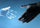 Emberi kéz érintsen meg egy üveg atrifical kéz