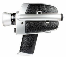 Alte Super-8-Kamera freigestellt