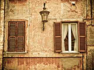 windows in Roma