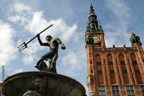 Fountain of the Neptune and city hall in Gdansk - Poland © Patryk Kosmider