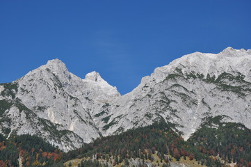 Fels im Herbst