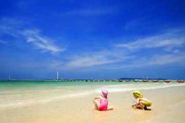 Happy Time, Lan Island, Pattaya, Thailand
