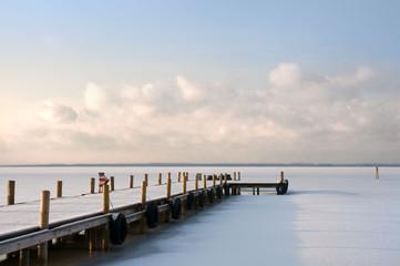 Winterlandschaft, zugefrorenes Steinhuder Meer, Eisdecke