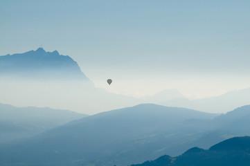 Blick vom Pfänder (A) zum Säntis (CH), Ballonfahrt, Berge