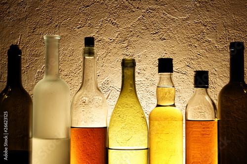 Бутылки с алкогольными напитками.