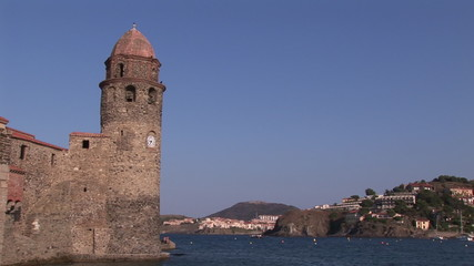 Scroll up of a monument in Collioure