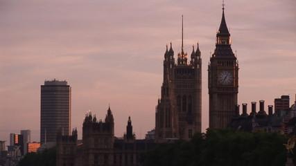 Video of London landmarks at sunset