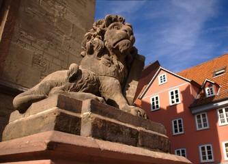 Löwe vor dem Standesamt in Göttingen