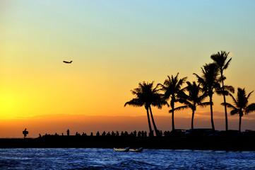 sunset on the beach waikiki honolulu and pulms