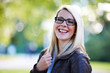 canvas print picture - Blonde Frau mit Brille
