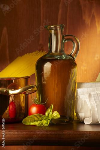 Olio d'oliva con pomodorino e basilico