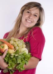 femme souriante - légumes diverses 01