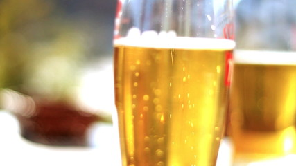 Beer glasses, steadycam shot
