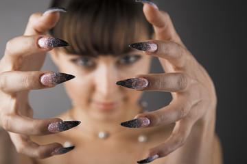 sharp finger-nail