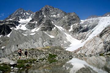 Randonneurs dans les écrins, Alpes