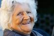 Portrait einer Frau, die 96 Jahre alt ist