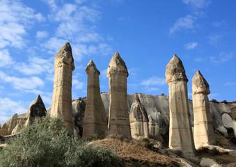 Cheminées de fée dans la vallée de l'Amour en Cappadoce