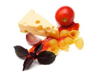 Tomato, conchiggle, basil