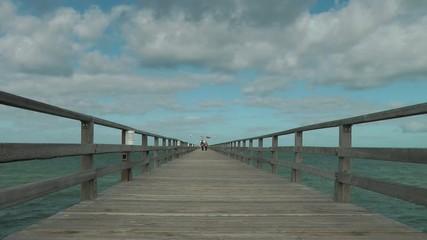 Seebrücke am Meer - Video - Bridge at the Ocean