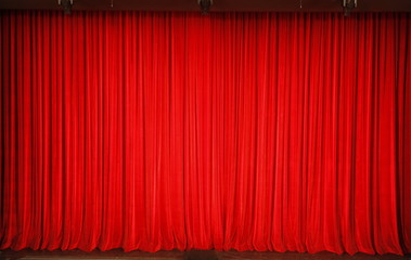 Roter Vorhang im Theater
