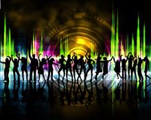 Sylwetki chłopców i dziewcząt tańczących w kolorze tła
