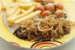 Kotelett mit Zwiebel und Gemüse